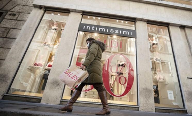 Migliora a febbraio la fiducia di consumatori e imprese
