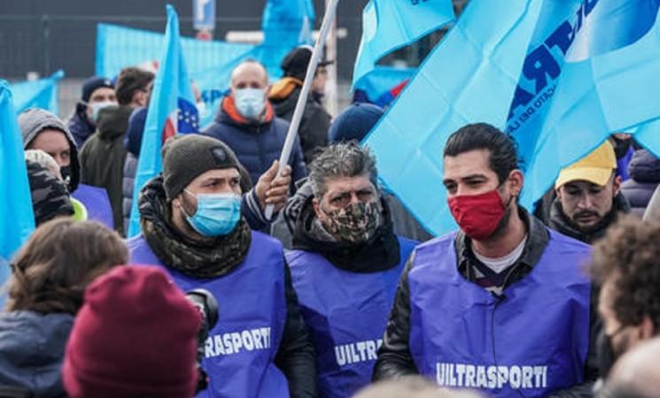 Sciopero lavoratori Amazon, è il primo in tutta Italia