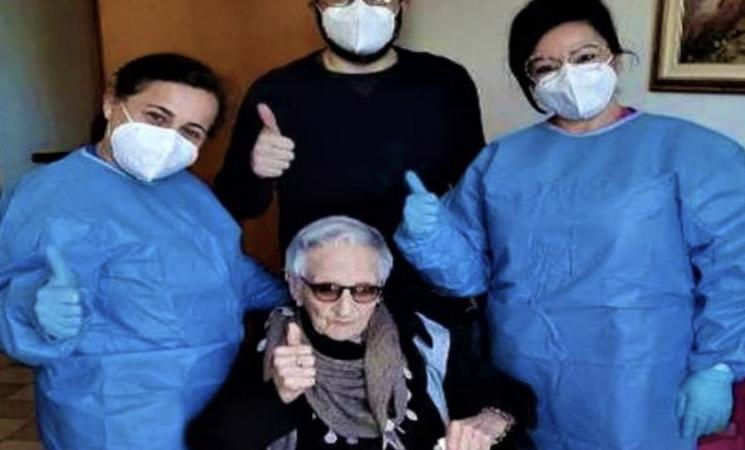 Covid, nonna Maria a 107 anni è la più anziana vaccinata di Sicilia