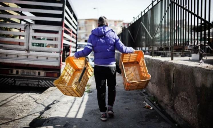 In Italia 340 mila minori al lavoro, pandemia aggrava fenomeno
