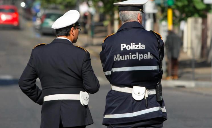 Catania, controlli serrati della Polizia Municipale per violazione norme anti-Covid
