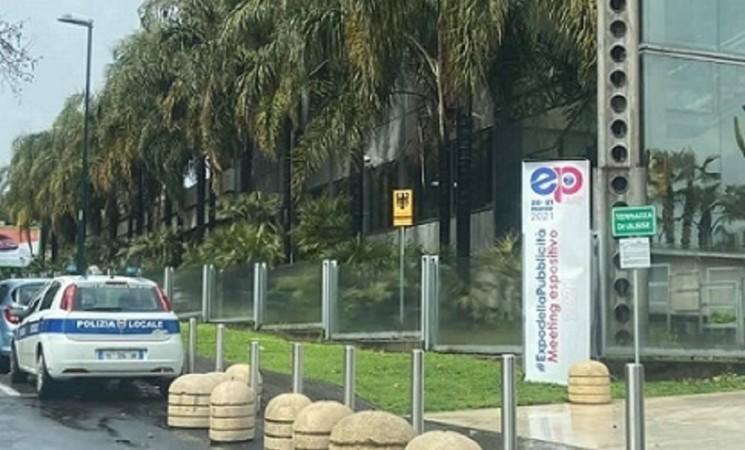Catania, Fiera Expò pubblicità sospesa: verifiche su violazioni