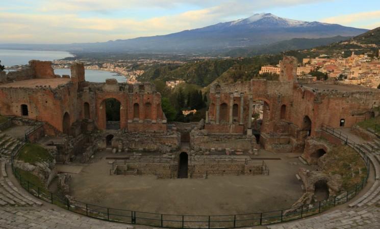 Riapre il Teatro antico di Taormina dopo quattro mesi di chiusura