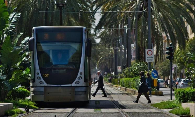 Violenza sessuale sul tram, arrestato 59enne a Messina