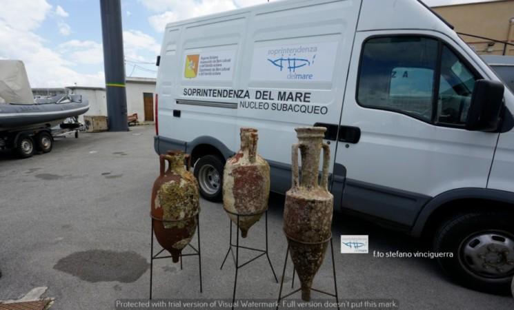 Tre anfore romane ritrovate nel mare di Mondello