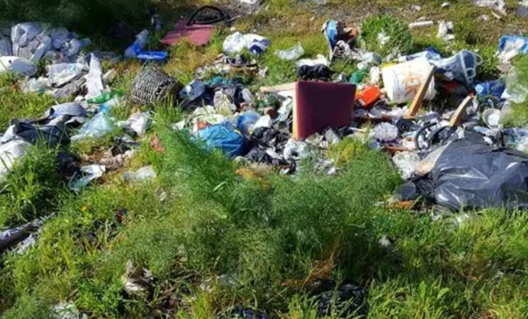 Acireale, smaltimento rifiuti, 211 sanzioni comminate nel 2021