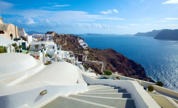 La Grecia riapre al turismo, entro giugno tutte le sue isole Covid free