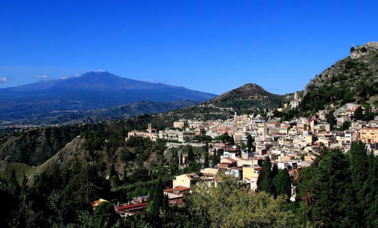 Taormina sceglie il dissesto, ufficialità entro fine luglio