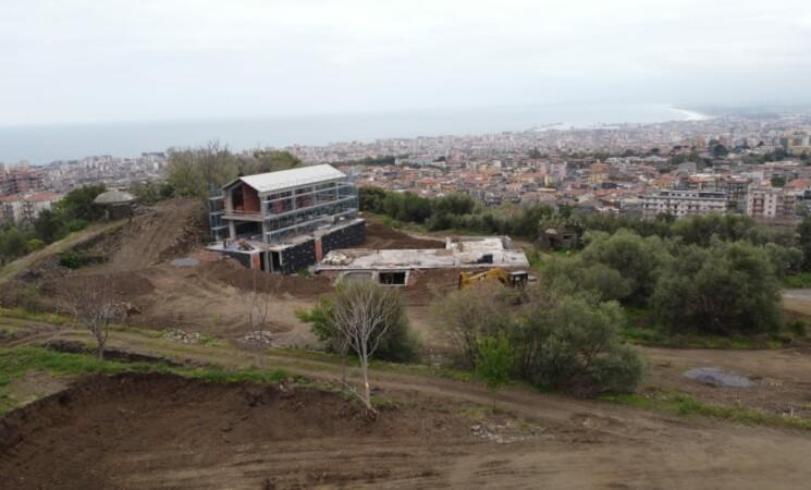 Catania, Timpa di Leucatia, verranno demolite solo alcune opere