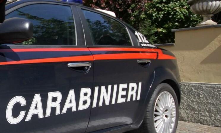 Licata, 19enne arrestato per droga, familiari aggrediscono i Carabinieri