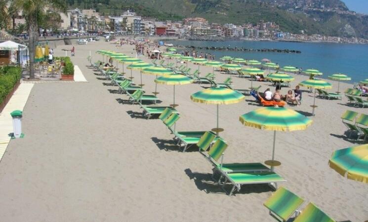 Mare tra Fondachello e Taormina, i prezzi degli stabilimenti balneari