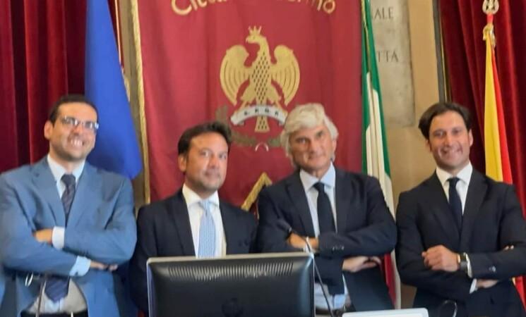 Palermo, dimissioni e cambi di casacca, la maggioranza perde pezzi