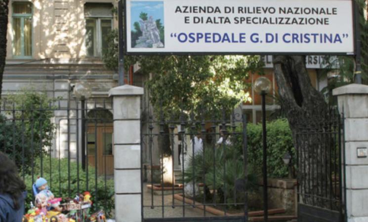 """Covid,  morta undicenne a Palermo, la madre, """"Vaccinatevi"""""""