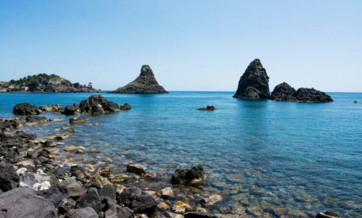 Vacanze in Sicilia, Aci Trezza: la terra dei Malavoglia