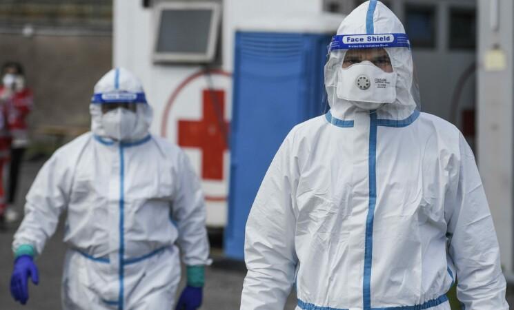 Covid Italia, tasso morti 15 volte più alto per non vaccinati over 80