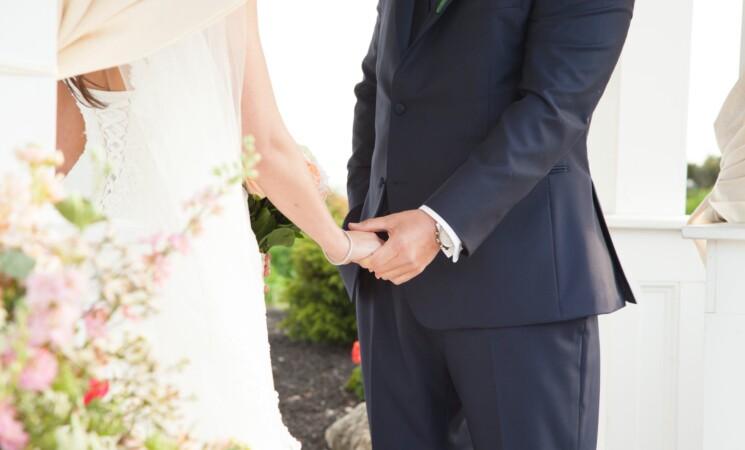 Green pass, matrimoni, niente obbligo per bimbi e organizzatori