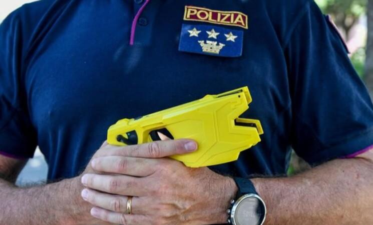In arrivo oltre 4 mila teaser alle forze dell'ordine italiane