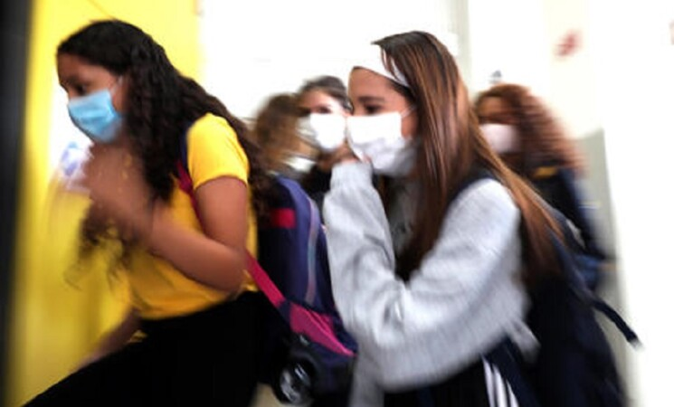 Scuola, risorse per tamponi a personale in condizioni fragilità