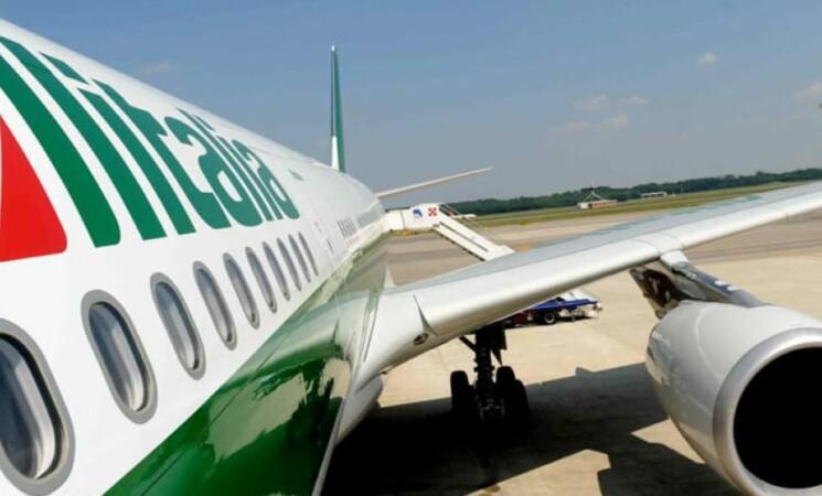 Alitalia, cambio volo o rimborso per i biglietti dopo 15 ottobre