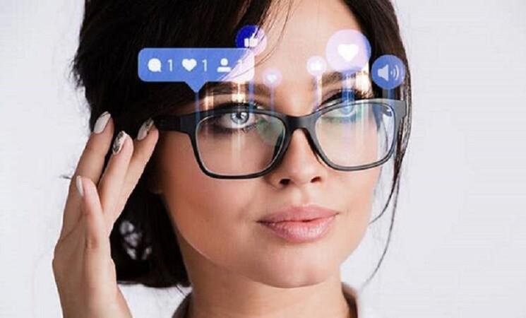 Facebook realizzerà un paio di occhiali Ray-Ban intelligenti