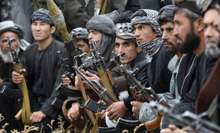 Kabul, riaperto l'aeroporto, rastrellamenti talebani