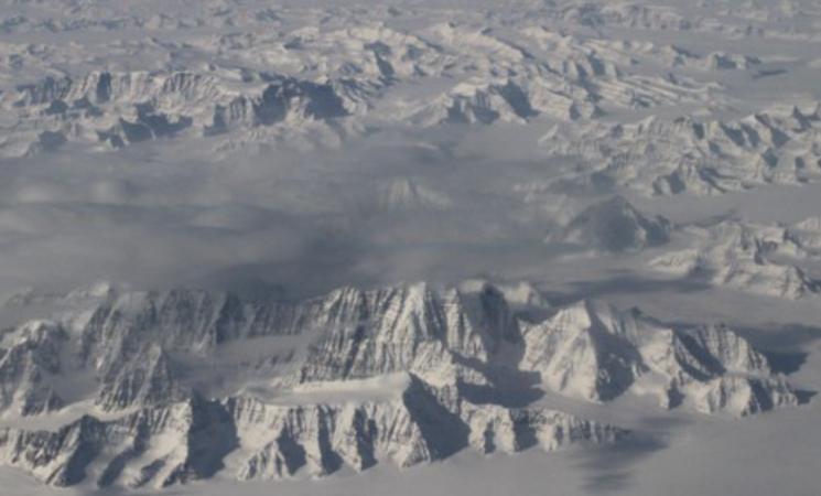 Groenlandia, è allarme clima: pioggia sul picco della calotta glaciale