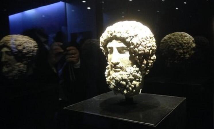 Archeologia: testa di Ade esposta per tre giorni al Salinas