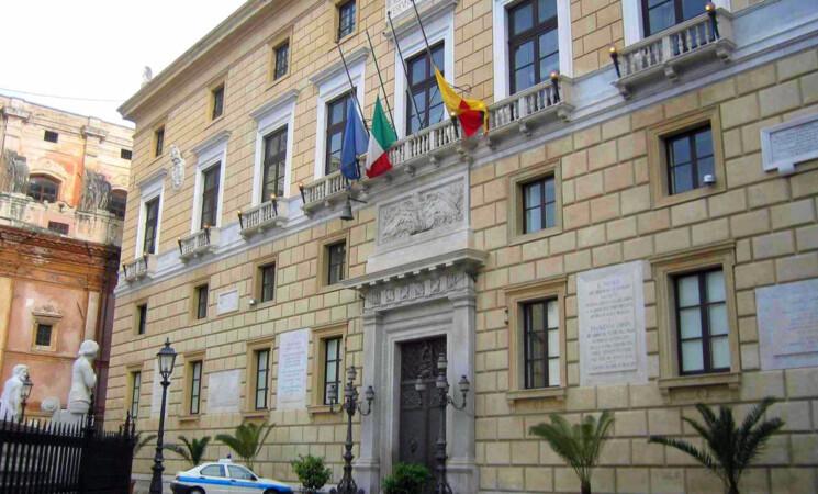 Palermo, buco da 80 mln, consiglio comunale vota pre-dissesto