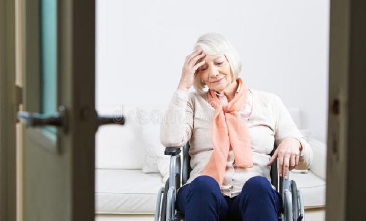 Sanità: anziana attende 10 ore in ambulanza esito tampone