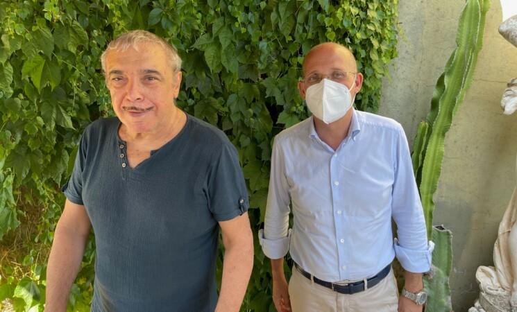"""Nino Frassica scende in campo per il vaccino, """"Io ignorante ma non stupido"""""""