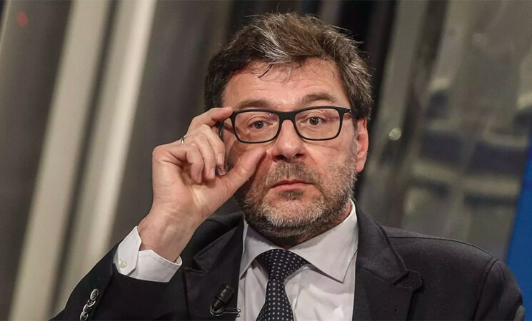 """Pil, Giorgetti """"Pensiamo di raggiungere +6%, forse è merito di Draghi"""""""