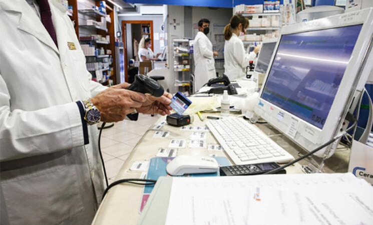 Green pass 48 ore, continua in Italia l'assalto alle farmacie