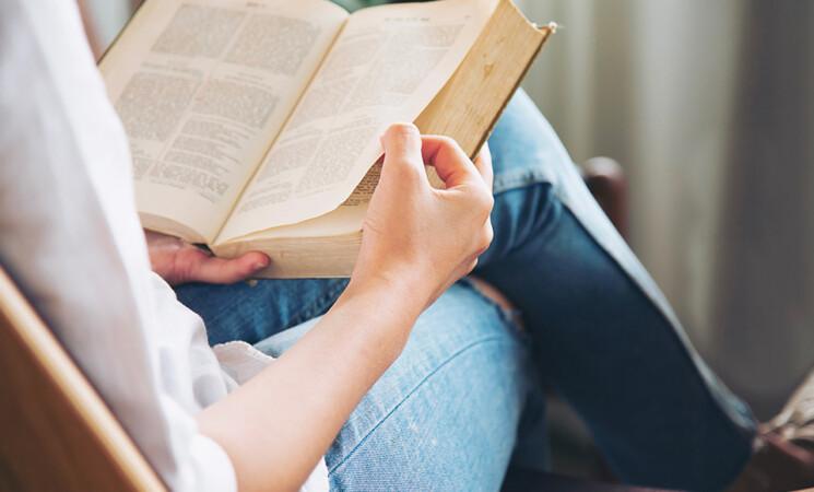 Estate 2021, dieci libri da non perdere e mettere in valigia