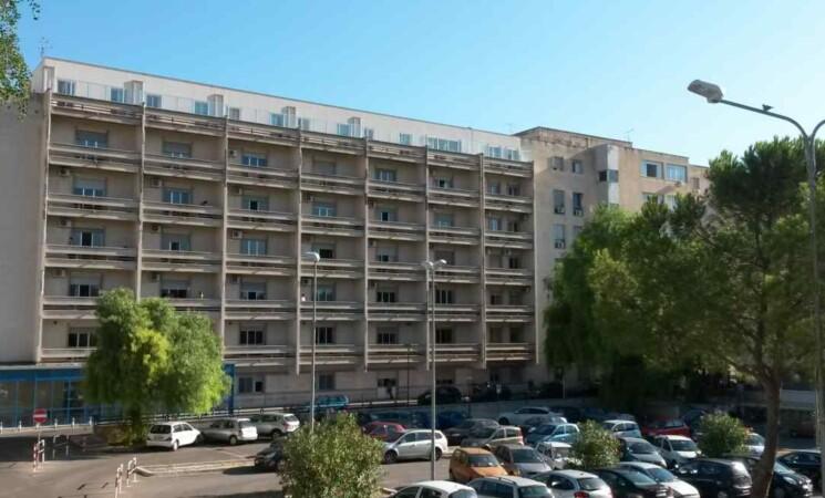 Covid, donna di 26 anni muore a Palermo, non era vaccinata