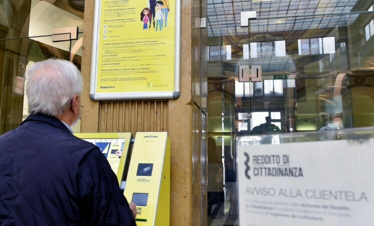 Un siciliano su 6 con Reddito di cittadinanza, per lui 628 euro senza lavorare