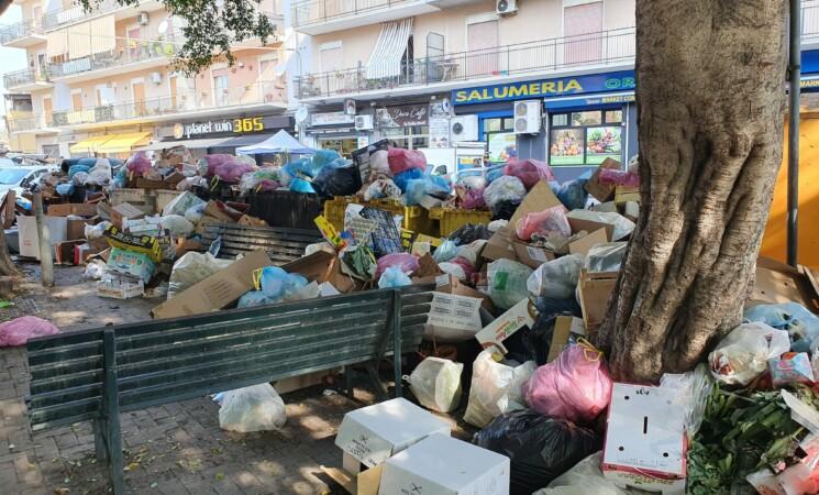 Catania scoppia di rifiuti, impianto di Lentini pieno, da oggi 3 discariche in soccorso
