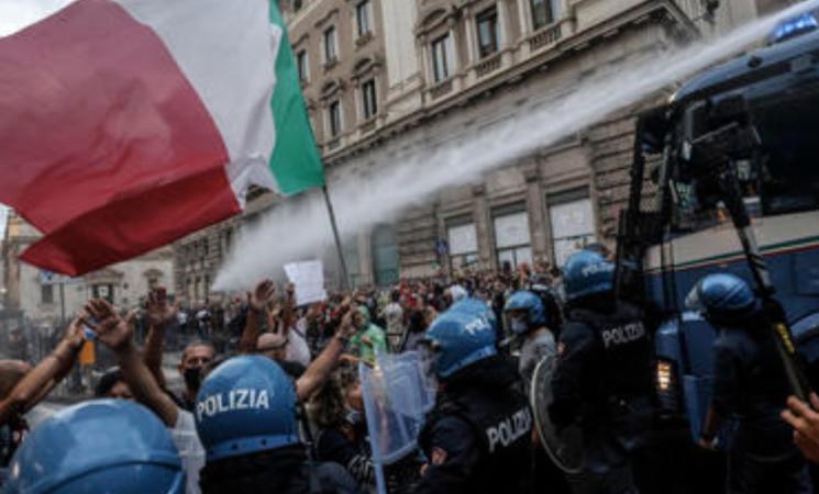 """Guerriglia a Roma, la minaccia di Forza Nuova, """"Adesso alziamo livello scontro"""""""