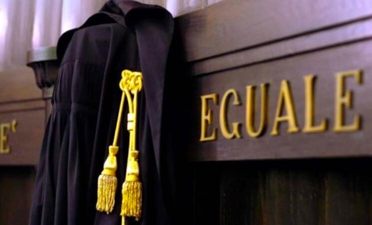 """Avvocato, difficoltà di accesso ad una professione """"ostile"""" alle donne"""